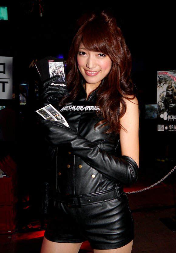 Девушки и косплееры Tokyo Game Show 2012